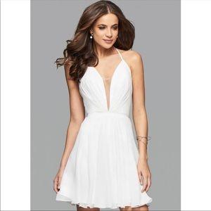 Faviana White Formal Dress. Perfect for Grad&Prom